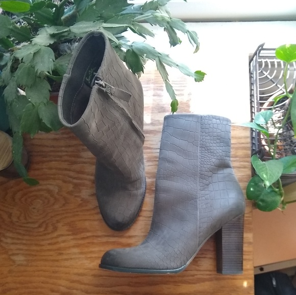 Sam Edelman Shoes - Sam Edelman stacked heeled ankle boot